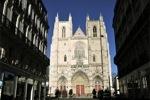 Horror en la catedral de Nantes: Se censuran imágenes de profanación Y reacciona Ayrault.