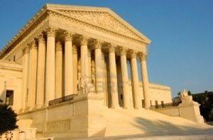 Un paso atrás: El Supremo de EE.UU ratifica la inconstitucionalidad de la ley de Arizona que restringía el aborto
