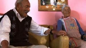 En México tenemos la pareja más longeva del mundo tras 81 de casados, y dicen: «El matrimonio no es para relajo»