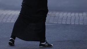 Una falda, es considerada «demasiado larga» y quebranta la ley sobre el laicismo de la escuela en Francia.