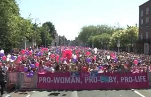 Irlanda: Número récord asiste a la vigilia nacional contra el aborto