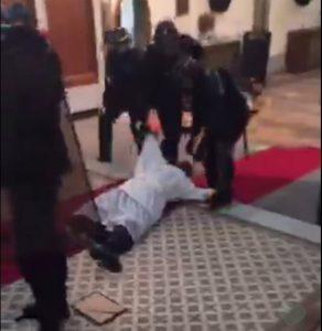 ¡La policía evacuó la iglesia Sainte-Rita en París, en plena misa!