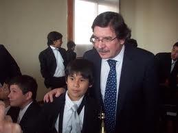 Ministro de Educación de Argentina envia pornografía a la escuelas publicas y bibliotecas