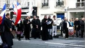 Despues de numerosas protestas Golgotha Picnic fue anulado.